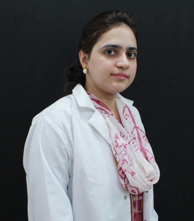 Dr Marrium Manzoor (Dermatologist )